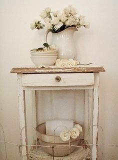 10 Agreeable Cool Tips: Shabby Chic Kitchen Decoration shabby chic kitchen decoration.Shabby Chic House To Get. Entrée Shabby Chic, Shabby Chic Entryway, Shabby Chic Bedrooms, Shabby Cottage, Shabby Chic Furniture, Cottage Chic, Entryway Decor, Vintage Furniture, Entryway Ideas