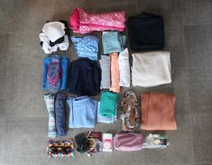 The ultimate holiday packing list. Using only hand luggage. This holiday packing list contains everything you'll need for 2 weeks in Europe, and it all fits in a hand luggage bag! Holiday Party Outfit, Holiday Outfits, Holiday Packing Lists, Holiday Checklist, Backpacking List, Hand Luggage Bag, Casual Maternity, Luggage Straps, What To Pack