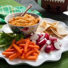 Roasted Red Pepper Hummus (Valerie Bertinelli) @keyingredient #recipes