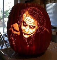 Pumpkin carving artist Alex Wer (aka The Pumpkin Geek) crafts custom jack-o'-lanterns inspired by movie characters and pop culture icons. Spooky Pumpkin, Pumpkin Art, Best Pumpkin, Pumpkin Crafts, Halloween Pumpkins, Halloween Decorations, Halloween Oreos, Halloween History, Halloween Scene