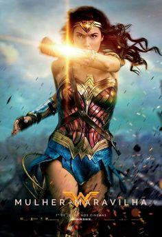 Novos cartazes exclusivos de 'Mulher-Maravilha'. A poderosa amazona da DC está chegando. O filme estreia dia 1° de Junho. Quem aí também está ansioso?  #mulhermaravilha #wonderwoman #dc #galgadot #hq #ligadajustica #blog #mvdc #minhavisaodocinema #filmes #movies #cinema #cinema2017 #estreias #hero #superherois #girlpower