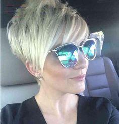 Hair Beauty - Fresh Style of Short Blonde Hair to get Chic Look Funky Short Hair, Short Hair Cuts For Women, Short Hairstyles For Women, Short Grey Hair, Short Blonde Pixie, Chic Short Hair, Short Pixie Haircuts, Pixie Hairstyles, Hair Styles 2016