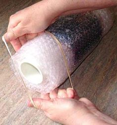 How to Make a Wool, Felted Scarf Using Bubble Wrap ...