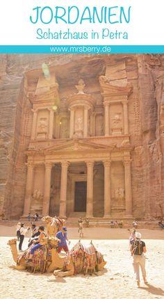 """Das Wahrzeichen der Stadt Petra – das Khanze al-Firaun, das """"Schatzhaus des Pharao"""". Weitere Informationen gibts im Jordanien Reisebericht auf http://mrsberry.de"""