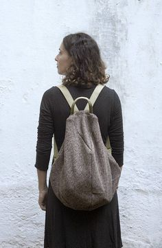 Minimalist Backpack, Minimal Rucksack, Zipper Backpack, Wool backpack, Minimal Backpack, Book Bag, Travel Bag This backpack is the second model from my new Morphic series. Natural elliptic forms have influenced its shape. A drop of water in a stormy ocean. Medium sized, comfortable, the