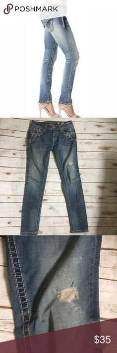 "Miss Me Signature Skinny Jeans Sz 27 Miss Me Signature Skinny Jeans Sz 27 No wear on hems SPECIFICATIONS * Front Rise: 7.5"" * Inseam: 26"" * Leg Opening: 5"" * 88% Cotton blend  5 pocket zip fly     /297/ Miss Me Jeans Skinny"