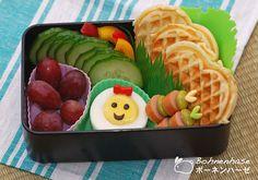Bohnenhase: Bento #19: Quick Breakfast Bento with Waffles