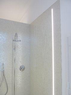 indirekte led deckenbeleuchtung im dusche bereich bad. Black Bedroom Furniture Sets. Home Design Ideas
