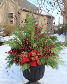24 Stunning Christmas pots and planters to DIY for almost free! How to create co… 24 Stunning Christmas pots and planters to DIY for almost. Christmas Arrangements, Christmas Centerpieces, Outdoor Christmas Decorations, Garden Decorations, Winter Floral Arrangements, Winter Decorations, Rustic Centerpieces, Winter Christmas, Christmas Home