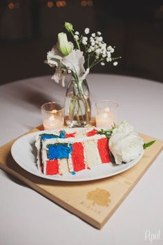 american cake | read white and blue wedding cake | Oak Creek Golf Club Wedding | Irvine | Orange County Wedding Photographer