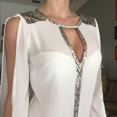 Blouse White chiffon blouse, long sleeve with cuts Glow Tops Blouses White Chiffon Blouse, Chiffon Blouses, Dress Outfits, Fashion Dresses, Kleidung Design, Fashion Illustration Dresses, African Traditional Dresses, Ballroom Dress, Beautiful Outfits