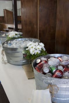 burlap graduation party ideas | drink station. graduation party. burlap. butcher paper. daisies ... by hgriem