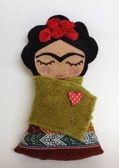 frida kahlo free pattern fabric doll - Buscar con Google
