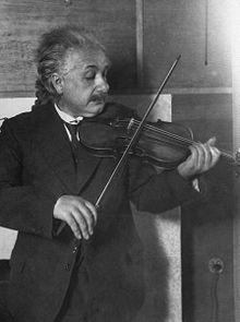 Einstein speelt viool, 1921