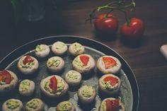 Plnené šampiňóny s medvedím cesnakom Sushi, Ethnic Recipes, Food, Essen, Meals, Yemek, Eten, Sushi Rolls