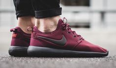 An Autumn-Appropriate Nike Roshe Two SE