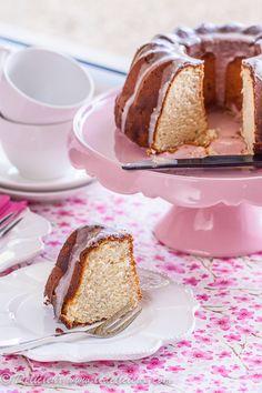 Delicieux » delicious vegetarian & baking recipesRhubarb Bundt Cake