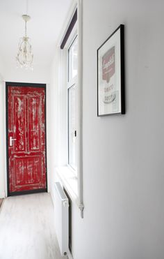 "Like the ""distressed"" door in red and black - vtwonen"