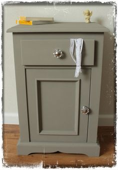 Pedestal cupboard/ nightstand with Annie Sloan French Linen