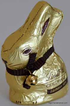 """The """"Lindt Goldhase Dark Chocolate"""" is a cute contemporary who brings with his brown bow and the bell enthusiasm in young and old. Taste this specialty and experience exquisite dark chocolate that melts pleasantly on your tongue and. Milka Chocolate, Easter Chocolate, Easter Candy, Long Winter, Taste Buds, Bow, Contemporary, Dark, Kids"""