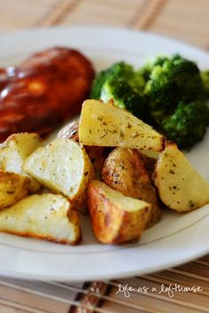 These Ranch Roasted Potatoesare packed full of flavor! They were crispy on the outside, soft in the inside, and mouth-watering good! Your house will smell amazing as they cook.     They're a perfect side to go a long with any meat. Beef, pork chops, chicken. I made ours with BBQ chicken, and it was a big hit with my family!