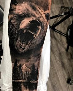 Bear Tattoo Designs for the Rough Individual - Tats & Rings bergtattoo Wolf Tattoos, Animal Tattoos, Leg Tattoos, Body Art Tattoos, Tattoos For Guys, Sleeve Tattoos, Animal Sleeve Tattoo, Tattoo Art, Ship Tattoos