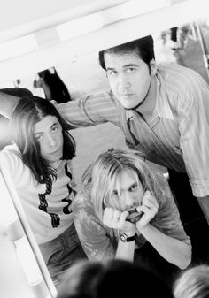 I'm just the folk singer in the middle. -Kurt Cobain