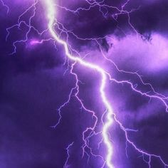 Weather: Dealing With Less Ideal Conditions That Nature Brings Tips] Extreme Weather: Preparing The Homestead For Less Than Ideal Weather Conditions Tips!]Extreme Weather: Preparing The Homestead For Less Than Ideal Weather Conditions Tips! Purple Wallpaper Iphone, Iphone Background Wallpaper, Cool Wallpaper, Pictures Of Lightning, Lightning Photography, Violet Aesthetic, Purple Halloween, Creative Background, Fantasy Places