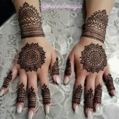 One of the biggest trends of 2017 and 2018 - one of my last brides in Chicago  I've gotten a lot of enquiries for the summer and as I mentioned before I'm NOT taking any bookings after June 22nd through the rest of the YEAR. So I hope that saves you all some time in your search for a Henna Artist!    #henna #mehndi #mehndimagic #mehndibymahrukh #desibride #chicago #chicagobride #chicagomehndiartist #pakistanibride #thepakistanibride #bridalartist #hudabeauty #shophudabeauty #bridalmehndi… Wedding Henna Designs, Indian Mehndi Designs, Mehndi Designs For Girls, Mehndi Design Pictures, Mehndi Designs For Fingers, Latest Mehndi Designs, Simple Mehndi Designs, Mehandi Designs Modern, Wedding Mehndi