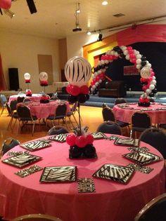 Centros de mesa y decoración con globos Animal Print