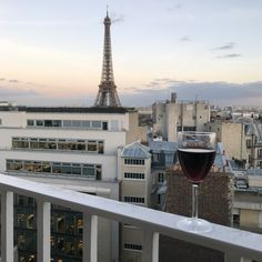 """February 24, 2017 (055/365) """"I want to step out down the Champs-Élysées, from the Arch of Triumph to the Petit Palais. That's for me: Bonjour, Paris!"""" ~ """"Bonjour Paris"""" - Funny Face (verse 1) - https://youtu.be/nrIJjB_dyP0 Just a few iconic images of Paris today. It was a long day of traveling and I'm exhausted (no selfies!), but tomorrow I'll be ready for verse 2. (C'est ma vie! Bonjour Paris! http://www.melindalarson.com/2017/02/bonjour-paris.html) #50àParis 🇫🇷"""