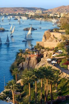 Aswan is a city in the south of Egypt. A market and tourist centre located just north of the Aswan Dams on the east bank of the Nile at the first cataract. Ancient City, Ancient Egypt, Great Places, Places To See, Beautiful World, Beautiful Places, Beautiful Beach, Beautiful Pictures, Paises Da Africa