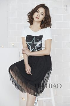 Song Hye Kyo 송혜교 - Stay home, Stay safe Fashion Idol, School Fashion, Short Curly Hair, Short Hair Styles, Song Joon Ki, Bridal Mask, Yoo Ah In, Song Hye Kyo, Asian Celebrities