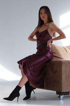 movie date outfit Silk Satin Dress, Satin Dresses, Satin Skirt, Silk Slip, Midi Dresses, 21st Birthday Outfits, Birthday Outfit For Women, Birthday Dresses, Bar Outfits
