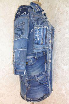 Denim Patchwork, Denim Fabric, Hippie Style, Jacket Images, Mode Jeans, Denim Ideas, Ripped Denim, Denim Flares, Stylish Jackets