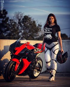"""""""Happy Friday! good vibes this weekend and #RideWithoutLimits ✊ thank you for my kick ass tee @ridewithoutlimits_clothing After hours shot courtesy…"""""""