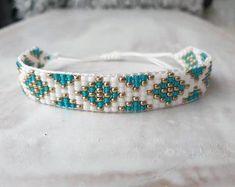 Pretty handmade beaded bracelet! Bohemian Bracelets, Boho Jewelry, Jewelry Shop, Custom Jewelry, Beaded Jewelry, Beaded Bracelets, Platinum Jewelry, Bracelet Crafts, Delicate Jewelry