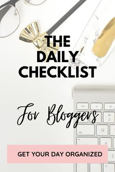 Stay productive and organized as a blogger with a blog daily checklist printable. Your schedule will be easy with a blog routine and blog to do list. Check your daily planner for how to organize your day. Reach your blog goals by using a blogger routine that you can stick to. Perfect if your goal is to monetize your blog and work as an affiliate with ads and links. #tips #success #bloggingadvice #monetizeablog #growyourblog #dailylist #successfulbusiness #bossladies #bossgirl