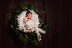 Christmas Newborn, Newborn Christmas Photo, Newborn Christmas Wreath, Newborn Photographer Murrieta, CA