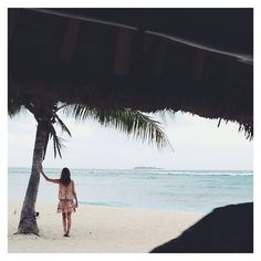 """Because everyone needs to experience Happy Hour at Tavarua Resort, Fiji  GE Xx #tavarua #fiji #LittleJoeWoman www.LittleJoeWoman.com"""