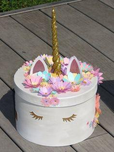 Urne licorne pour Bapteme, licorne couleurs pastel, déco licorne, fleurs, paillettes, personnalisable, coloris pastel, grande boite licorne,