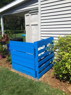 Used pallets to hide my waste cans! So happy with this idea I had !!!!
