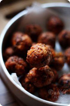Veg Manchurian ~ Indo-Chinese dish of Vegetarian meatballs/dumplings in hot 'n sour gravy #food #recipe