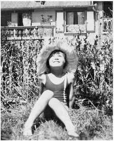 Audrey Hepburn at home in Linkebeek, Belgium, Little Audrey in all her splendor. Audrey Hepburn: An elegant spirit. Audrey Hepburn Children, Young Audrey Hepburn, Audrey Hepburn Photos, Audrey Hepburn Style, British Actresses, Actors & Actresses, Young Celebrities, Celebs, Divas
