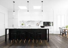 Black and white kitchen by Biasol Design Studio