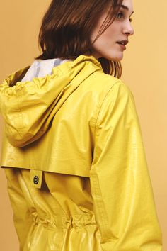 BUGATTI SPRING/SUMMER 2017 I A rainy day will be the best day of the year when you have a raincoat like this: #bugattifashion #womenswear