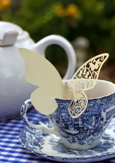 garden tea on blue and white china with an adorable paper butterfly Tea Art, Blue And White China, Tea Service, Herbal Tea, High Tea, Afternoon Tea, Cup And Saucer, Hot Chocolate, Tea Time