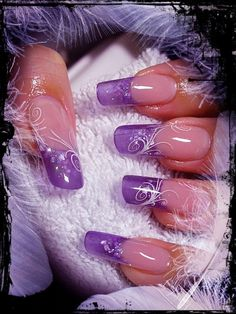 Nail art: purple French tips