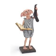 Universal Studios Harry Potter Dobby The House Elf Resin FigurineThe Treasures of Harry PotterDobby The House Elf Resin StatueThe Noble CollectionOfficially licensed by Warner BrosA hand-painted resin sculpture Measures hNew Dobby Harry Potter, Harry Potter Fiesta, Arte Do Harry Potter, Harry Potter Shop, Theme Harry Potter, Harry Potter Wedding, Harry Potter Characters, Doby The House Elf, Dobby Elfo