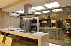 Apartamento Itacorubi Gran Classic 1: Cozinhas modernas por ANNA MAYA & ANDERSON SCHUSSLER